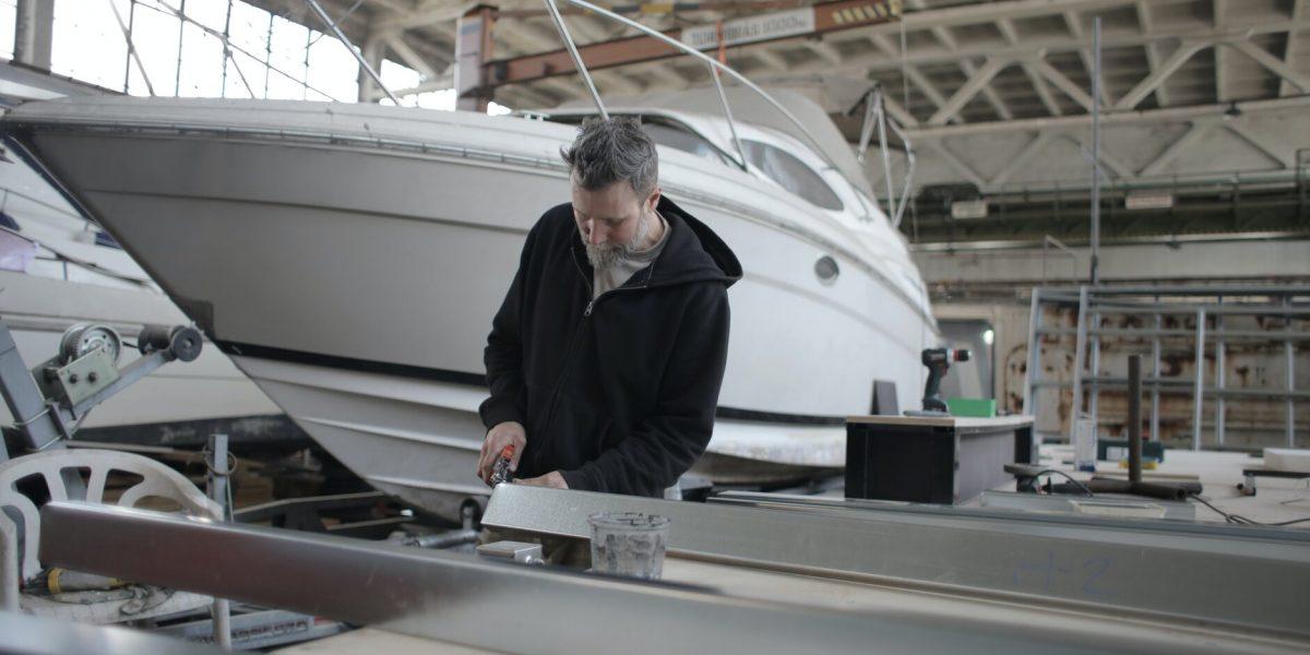 man boat detailing